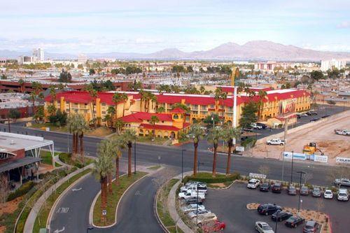 La-Quinta-Inn-Suites-Las-Vegas-Airport-North-Convention-Center
