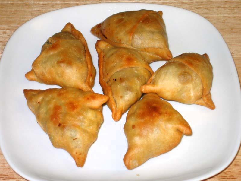 Samosa-Factory-Indian-Cuisine5
