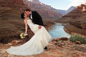 Theme American Weddings